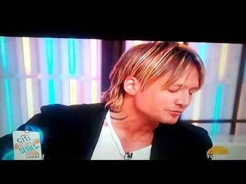 KEITH URBAN performing on The Today Show! Really Good!