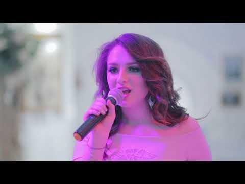 Песня от младшей сестры на свадьбе - Видео приколы смотреть