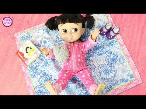 Jugando con la muñeca bebé BOO y Clàudia