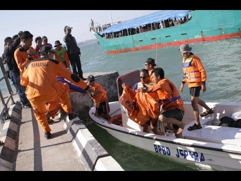 Boat capsizes in Indonesia; dozens missing, seven dead - 18/04/2014