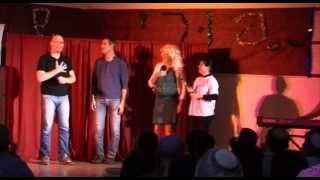 קומיקזה מארח את דביר בנדק בבית גמליאל - המחזמר הרפתן