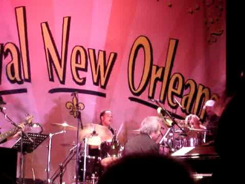 Festival New Orleans-Allen Toussaint, Here come the girls