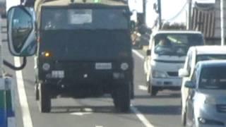 大型トラック免許教習中?陸上自衛隊勝田駐屯地73式大型トラック