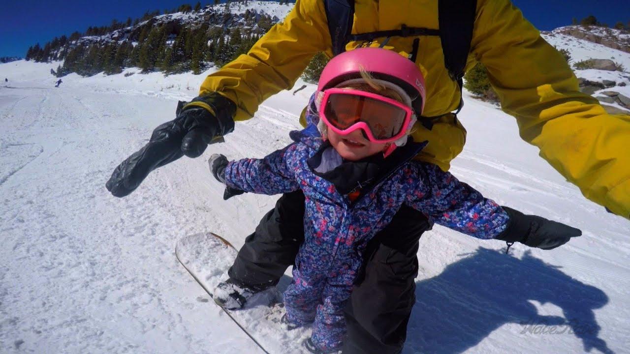 Татко и ќерка - тандем на сноуборд