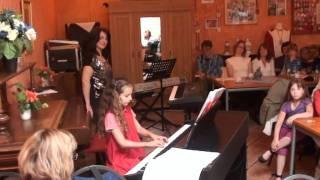 Annikas Konzert 3 Klavierstücke: Etüde a-moll, Tanz, Menuett