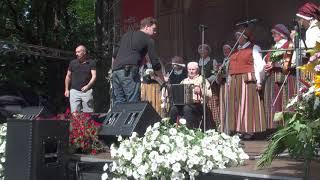 """00001 Folkloras diena """"Novadu sasaukšanās"""" uz Vērmanes dārza lielās skatuves 7.07.2018"""