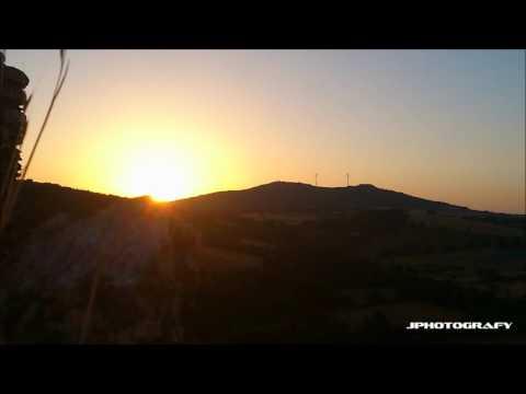 Nascer do sol no Castelo de Penas Roias