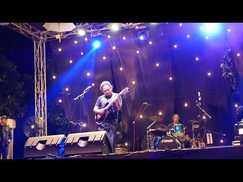 Payung Teduh - Di Atas Meja (konser terakhir Mas Mohammad Istiqamah Djamad) 31 desember 2017