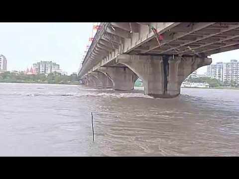 surat tapi river at 26 july (vasav desai)