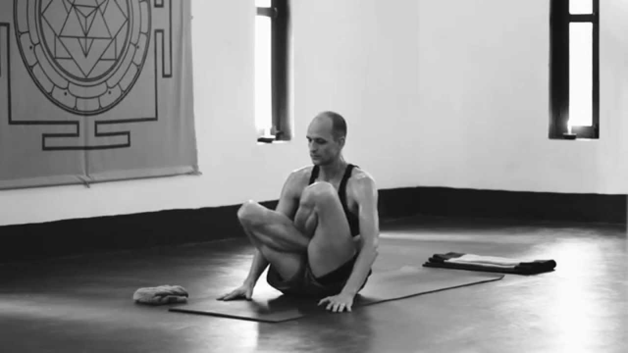 Ashtanga Yoga Third Series Demonstration - Tim Feldmann (6/6)