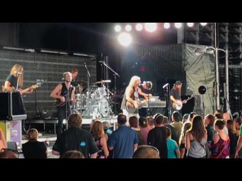 Judah & The Lion - Take It All Back @ DTE Energy Music Theatre (July 23, 2017)