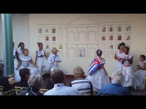 Cuba children center dancers