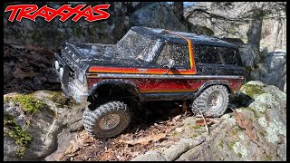 ROCK CLIMBING REALISTIC RC TRAXXAS FORD BRONCO - WORKING LOCKERS!