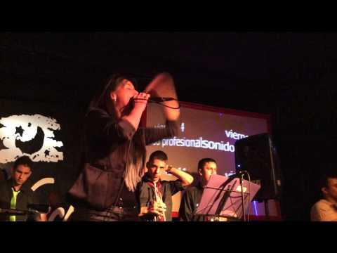 QUE MAL ELEGISTE  ALEXANDRA AND COMPANY EN AZABACHE 26-03-2014