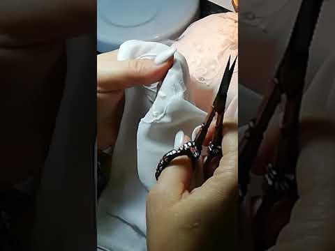 Ремонт прожженной дыры на одежде