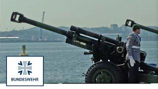 Wachbataillon lässt es knallen – Salutschießen der Bundeswehr mit Haubitzen
