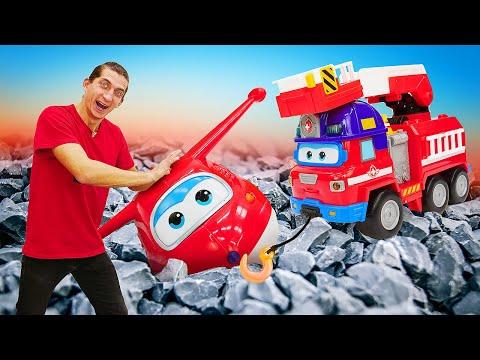 Машины помощники спасают Супер Крылья! - Распаковка Спарки и Зоуи - Super Wings Mission Teams