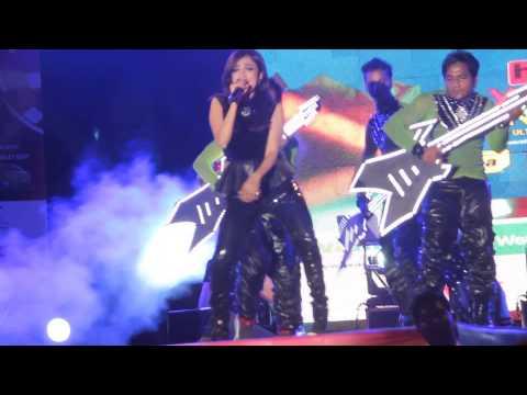 Monali Thakur Live in Delhi (Khwab Dekhe)