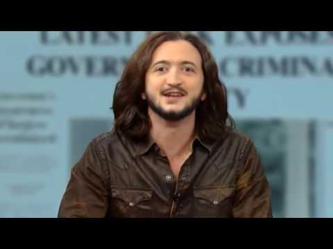 Lee Camp: CEO slips and tell the truth about Billionaires taking over the country