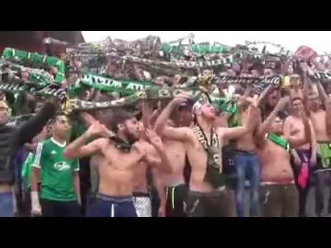انصار الرجاء البيضاوي المغربي يغنون الخضرا الوطنية thumbnail