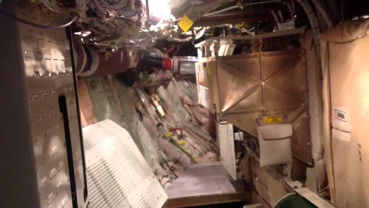 Inside The 777 Fwd E Amp E Compartment Youtube