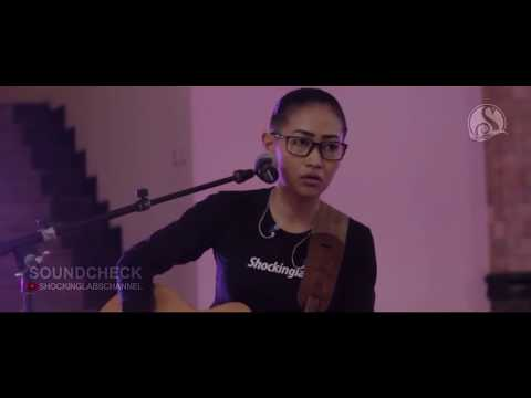Float - Sementara live covered by Nufi Wardhana feat Joseph