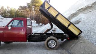 1990 Dodge with a Homemade Dump Bed run off the powersteering pump