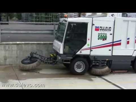 nav ASC Dulevo 5000 sweeper with man 1