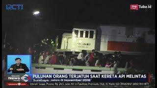 Video Detik-detik Kereta Api Lewati Viaduk Penonton Drama Kolosal Surabaya - SIS 10/11 download MP3, 3GP, MP4, WEBM, AVI, FLV November 2018