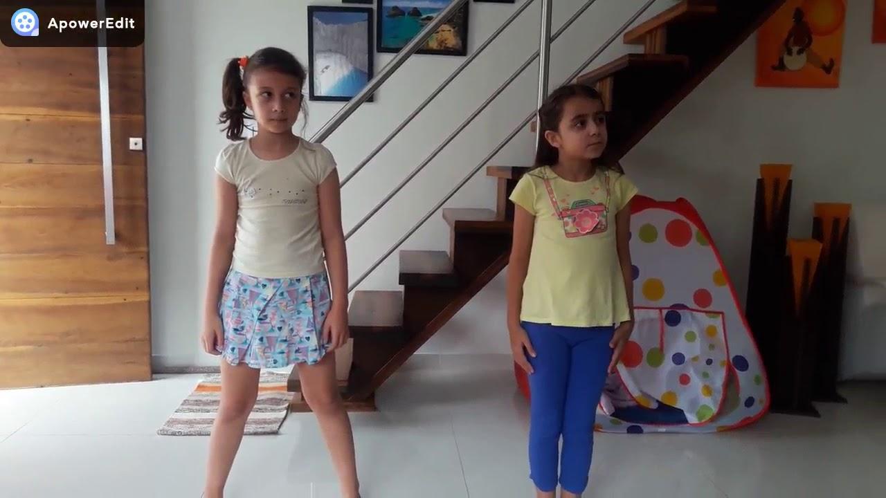 Bia e Letícia no desafio tente não dançar e tente não cantar!
