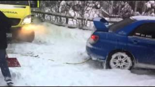 subaru pulling ambulance out of snow south london