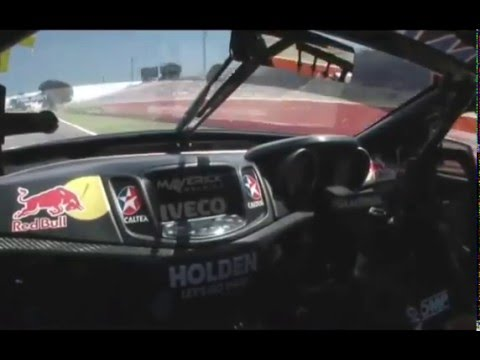 Jamie Whincup Bathurst 2.04.909 Onboard Lap Record   V8 Supercars