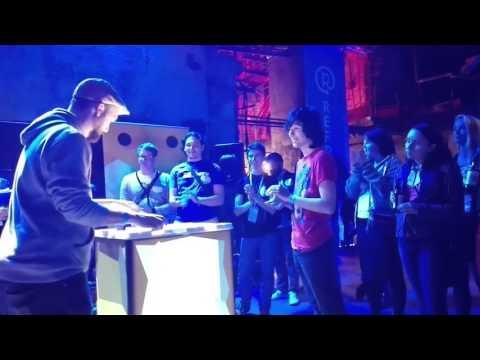 DJ Battle With Mash Machine