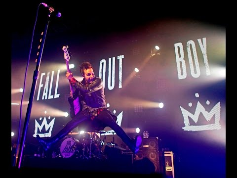 Fall Out Boy - The Phoenix [Live In Berlin 2015]