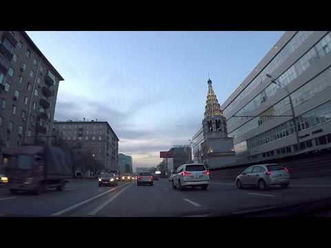 Смотреть Вечерняя Москва - по центру на машине. Красота улиц и домов мегаполиса! онлайн