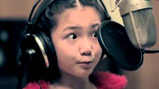 "9-YEAR-OLD Crystal Lee sings ""CALL ME MAYBE"""