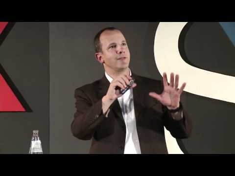 The Role of Technology in Education: Andrew Essex at TEDxSudeste