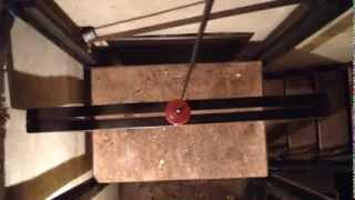 Грузовой лифт в доме(В клипе показано действие грузового лифта в гараже. Он упрощает доставку грузов в хранилище. Подробнее..., 2014-01-05T11:35:01.000Z)