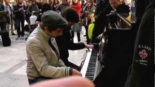 Les joueurs de piano à la Gare Montparnasse