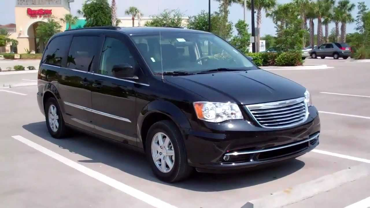 carcompany 2011 chrysler grand voyager 3 6 touring youtube. Black Bedroom Furniture Sets. Home Design Ideas
