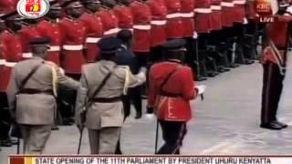 President Uhuru Kenyatta inspects his first Guard of Honour