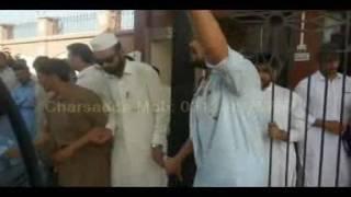عبدالولی خان یونیورسٹی مردان کے طالبعلم کو گستاخ رسول کے الزام میں مارا گیا