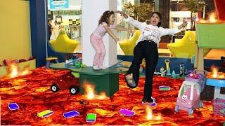 O CHÃO É LAVA NO PARQUINHO (THE FLOOR IS LAVA) Muita diversão
