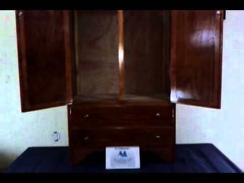 Muebles ropero de 2puertas y 2cajones color caoba clasico for Muebles de sala siman