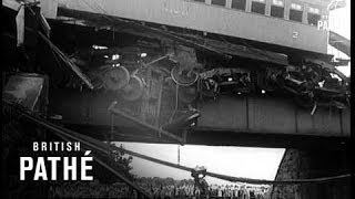 Selected Originals - News In Flashes : Rio De Janeiro: 102 Killed In Rail Disaster (1952)