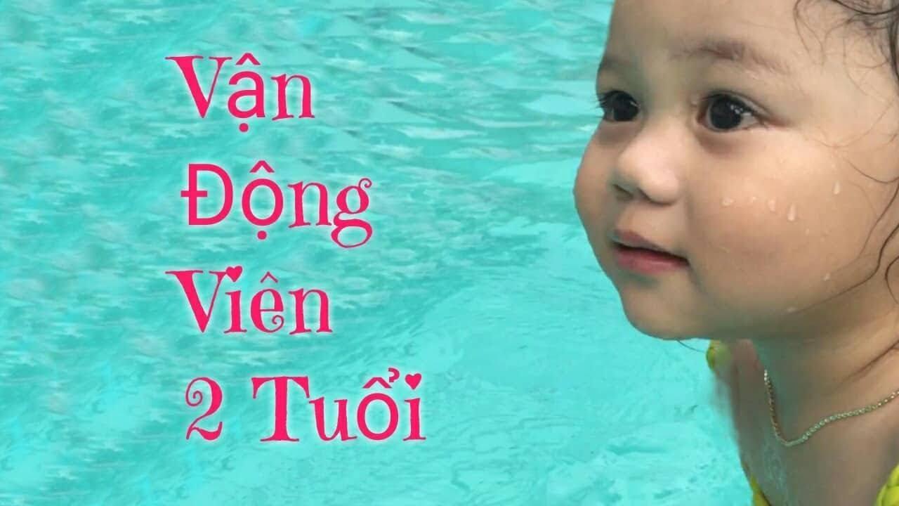 BCL   Bé 2 Tuổi Bơi Như Vận Động Viên   Bé Tập Bơi