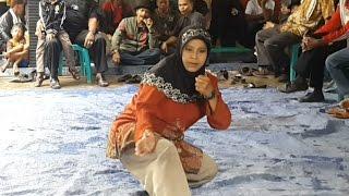 Guru Silat Kuntau Wanita Yang Disegani di Kalimantan