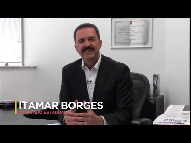 Itamar Borges trabalha pelas rodovias e vicinais
