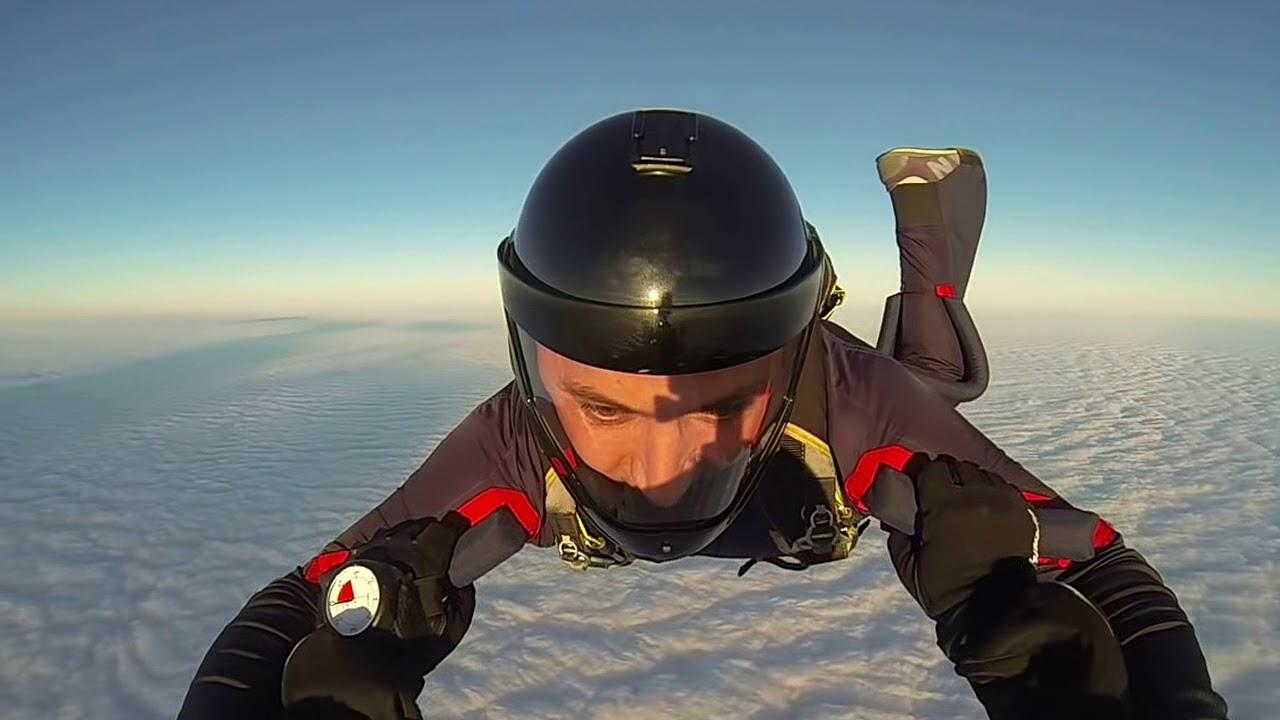 Прыжок с GoPro black edition... Сквозь облака...