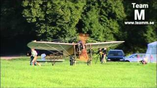 Mikael Carlson flies the re-built Blériot XI, owned by the Technical Museum in Stockholm
